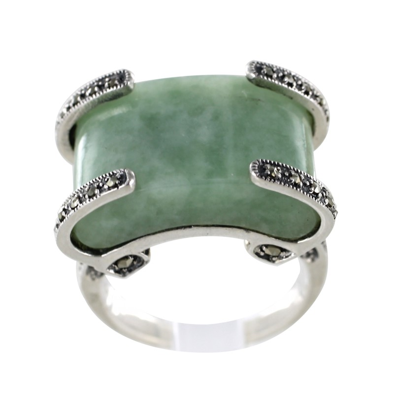 bague en argent avec jade